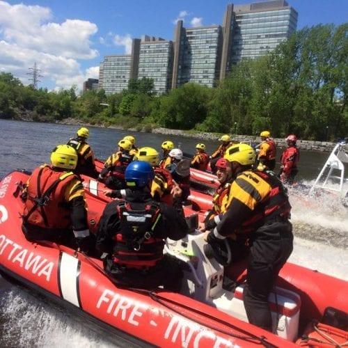 rescue-canada-boat