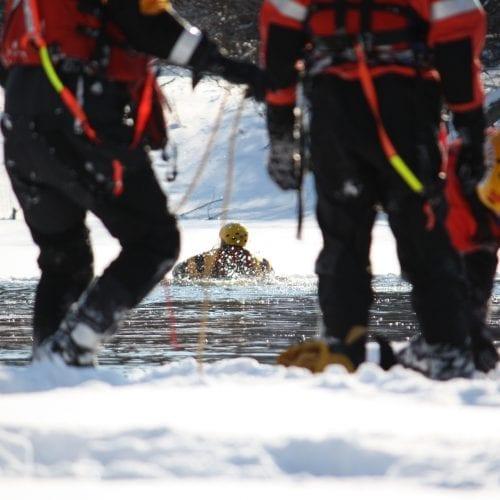 rescue-canada-ice